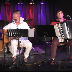 Mahel Trio (Time Gorgiev (Akkordeon), Werner Ringelband (Gesang und Gitarre), Jonas Plöger (Schlagzeug)